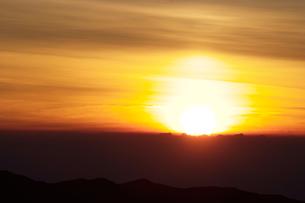 山の日の出の写真素材 [FYI00481038]