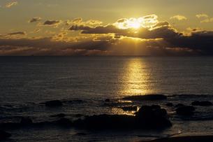 夕日と海岸の写真素材 [FYI00481070]