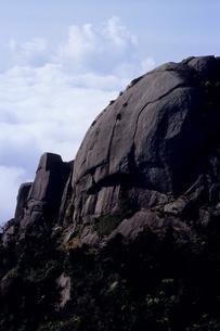 屋久島・ドクロのような岩峰その2の写真素材 [FYI00481097]