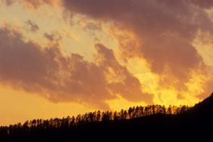 北海道の夕焼け雲の素材 [FYI00481211]