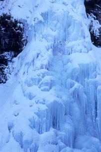 乗鞍高原・三本滝の氷瀑の写真素材 [FYI00481275]