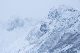 北海道・厳冬の富良野岳の写真素材 [FYI00481297]