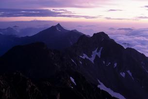 黎明の槍ヶ岳 - Mt.Yarigatake of dawnの写真素材 [FYI00481933]