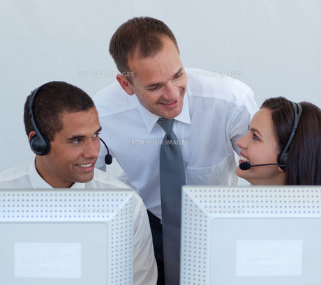 Manager and business people in a call canterの写真素材 [FYI00482120]