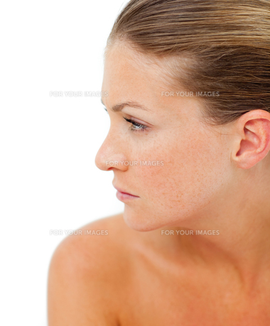 Worried woman after having a spa treatmentの写真素材 [FYI00482530]