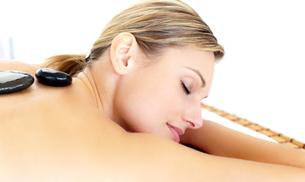 Happy woman having a massageの写真素材 [FYI00482914]
