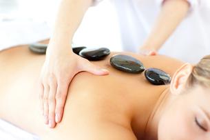 Woman having a massageの写真素材 [FYI00482916]