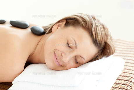 Beautiful woman receiving a Spa treatmentの写真素材 [FYI00482961]