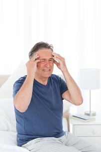 Man having a headacheの写真素材 [FYI00483556]