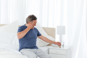 Man having a headacheの写真素材 [FYI00483570]