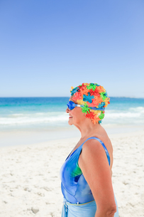 Senior woman in swimsuitの写真素材 [FYI00483994]