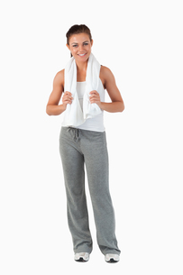 Young woman smiling after workoutの写真素材 [FYI00484763]