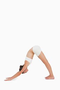 Woman doing yogaの素材 [FYI00485035]