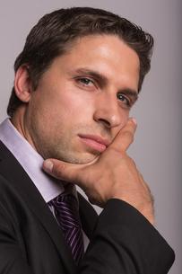 Elegant serious young businessmanの写真素材 [FYI00485737]