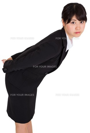 Serious businesswoman bendingの素材 [FYI00485982]