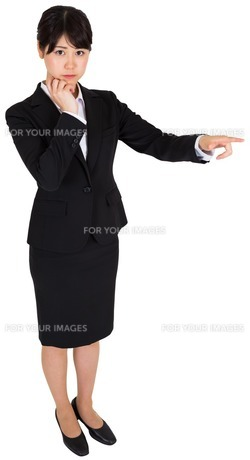 Businesswoman pointingの写真素材 [FYI00486008]