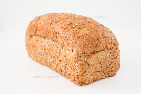 Brown loaf of breadの写真素材 [FYI00486572]