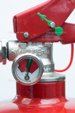 Close up of top of fire extinguisherの写真素材 [FYI00486602]
