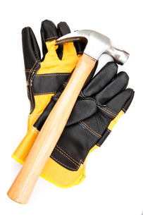 Hammer with pair of protective glovesの素材 [FYI00486688]