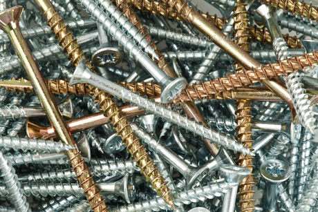 Copper and silver screws and nailsの写真素材 [FYI00486700]