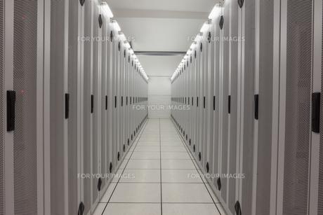 Empty row of serversの写真素材 [FYI00486834]