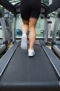 Running on a treadmillの写真素材 [FYI00486838]