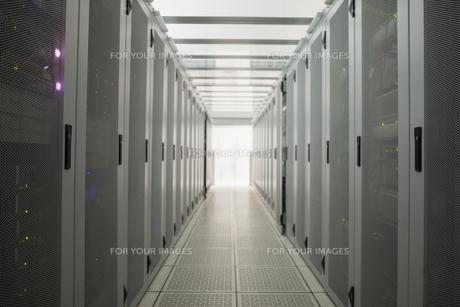 Empty hall of serversの素材 [FYI00486839]