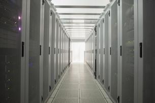 Empty hall of serversの写真素材 [FYI00486839]