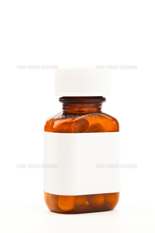 Glass bottle of medicationsの素材 [FYI00486886]