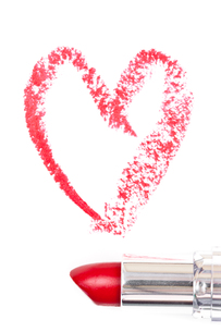 Red trace of lipstick forming a heartの素材 [FYI00486914]