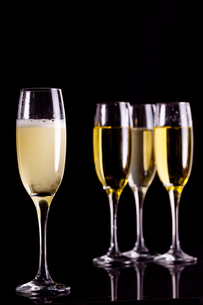 Four full flutes of champagneの写真素材 [FYI00486983]