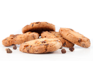 Tasty cookies with chocolate chopsの写真素材 [FYI00487070]