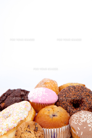 Cakes piled togetherの素材 [FYI00487155]