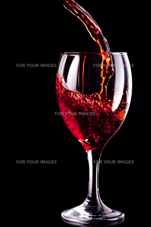 Wine glass being filledの写真素材 [FYI00487158]