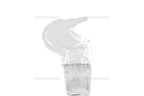 Grey brush stroke forming a zigzagの写真素材 [FYI00487201]