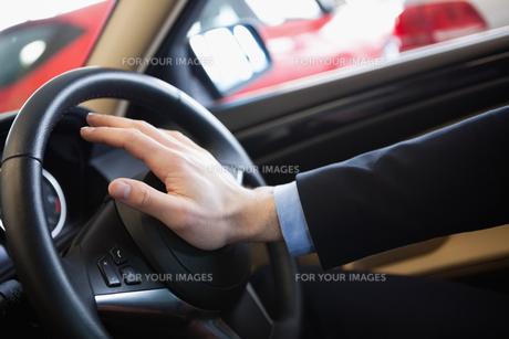Man honking the hornの素材 [FYI00487258]