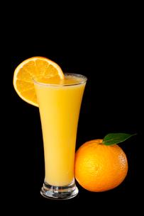 Orange  juice with orange sliceの素材 [FYI00487335]