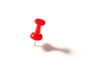 Red push pinの写真素材 [FYI00487345]