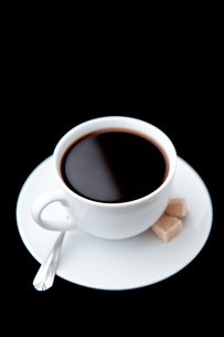 Cup of coffee with brown sugarsの写真素材 [FYI00487378]