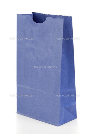 Angled blue paper bagの写真素材 [FYI00487635]