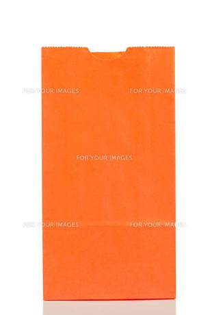 Orange paper bagの写真素材 [FYI00487656]