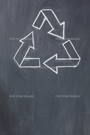 Recycle symbol drawnの写真素材 [FYI00487688]