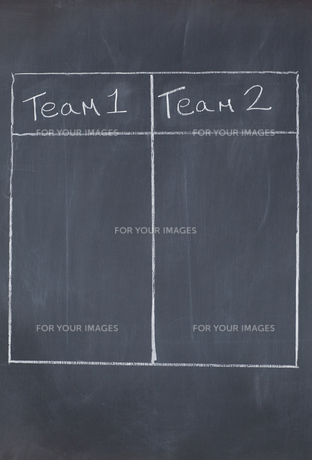 Table with columns for team 1 and team 2の素材 [FYI00487753]