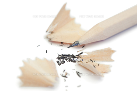 White pencil and its peelingsの写真素材 [FYI00487817]