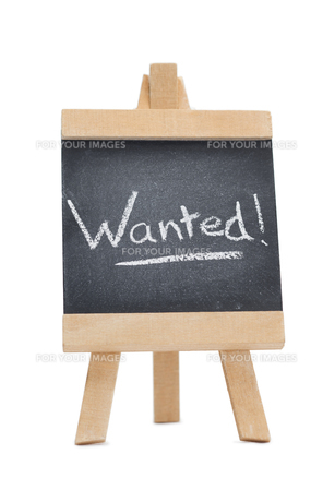 Chalkboard with the word wanted written on itの写真素材 [FYI00487871]