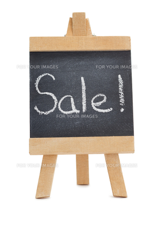 Chalkboard with the word sale written on itの写真素材 [FYI00487985]