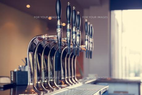 Beer tapsの写真素材 [FYI00488143]