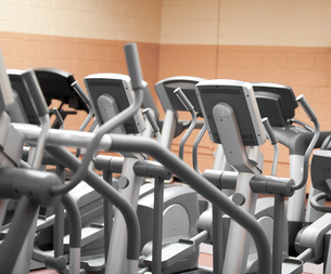 Close up of treadmills in a fitness centreの写真素材 [FYI00488160]