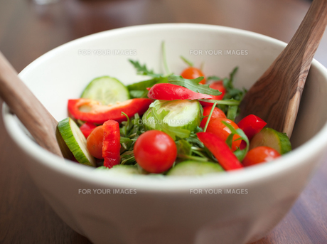 Close up of a garden saladの写真素材 [FYI00488237]