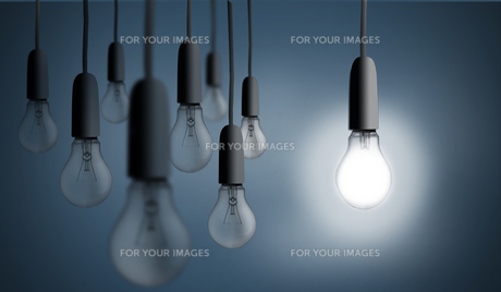 One bulb lighting upの写真素材 [FYI00488329]